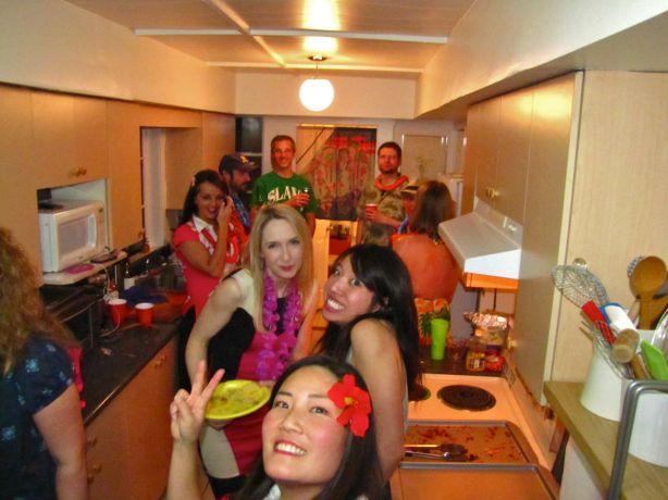 HousewarmingLuau - 14