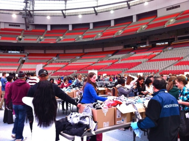 Lululemon BC Place Warehouse Sale 2013 - 10