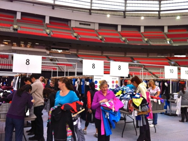 Lululemon BC Place Warehouse Sale 2013 - 11