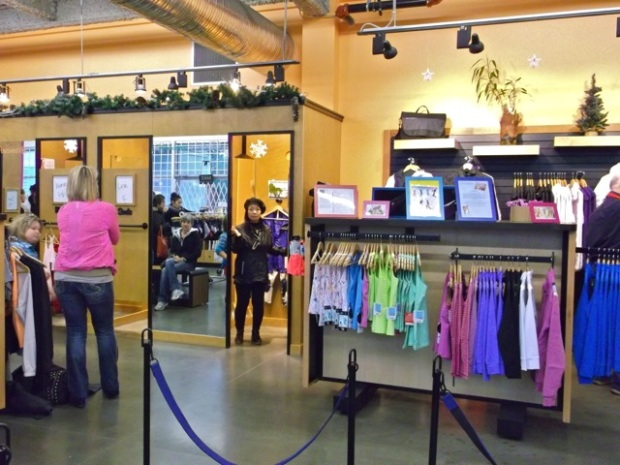 Lululemon Outlet - Vancouver - 6